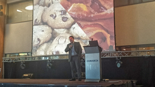 Marcin Kosciak explains IoT and beacons to the crowd at Comarch User Group 2014